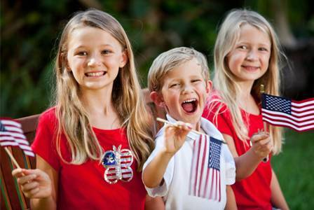 kids-with-4th-of-july-flags